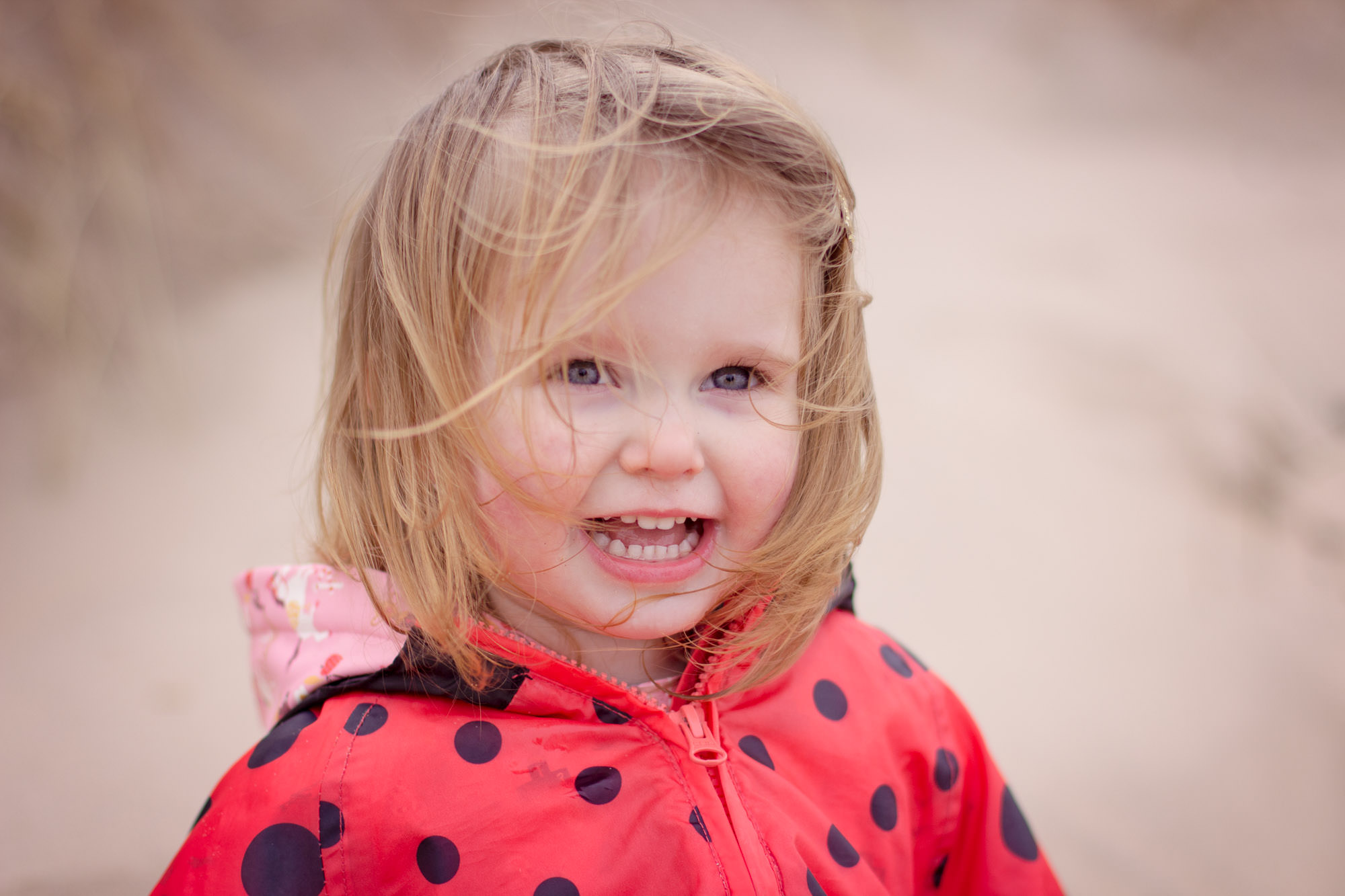 autumn and winter outdoor family photo shoots Whiterocks Northern Ireland